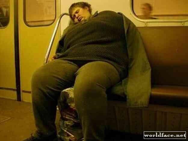 мацают в метро